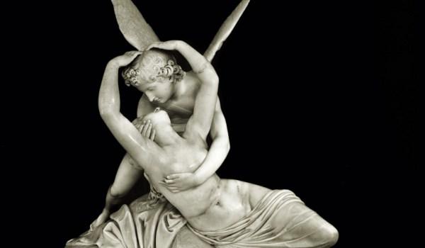 Amore e Psiche: una storia d'amore scolpita nel marmo.