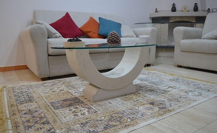 Tavolino in pietra da salone
